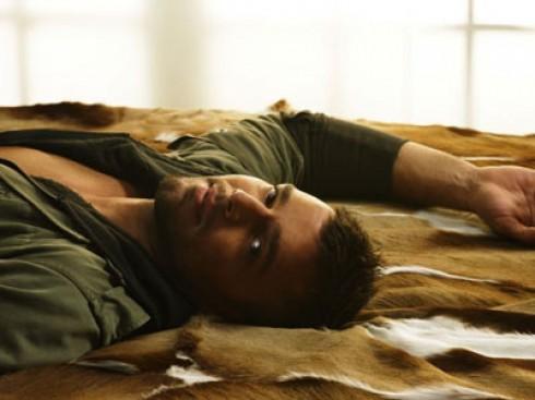 ... da TV: Ricky Martin é flagrado completamente nu em uma praia